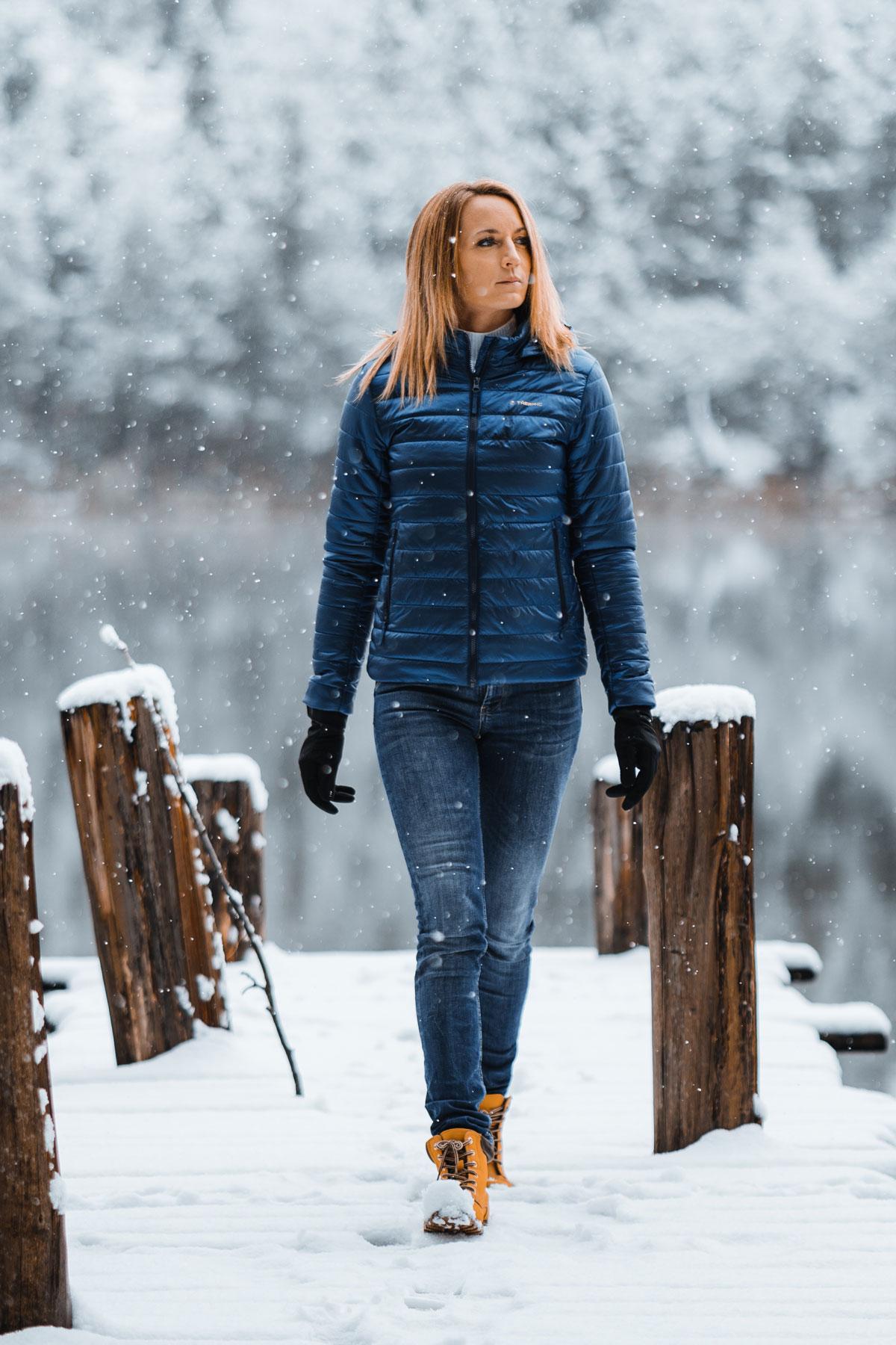 Die Daunenjacke, die Mode, Wärme und Komfort vereint!
