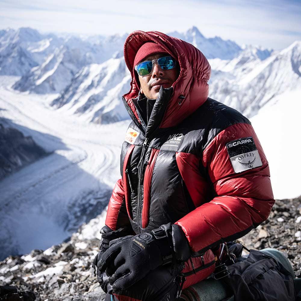 Nimdai, Nirmal purja sur le K2 en hiver avec les produits chauffants Therm-ic